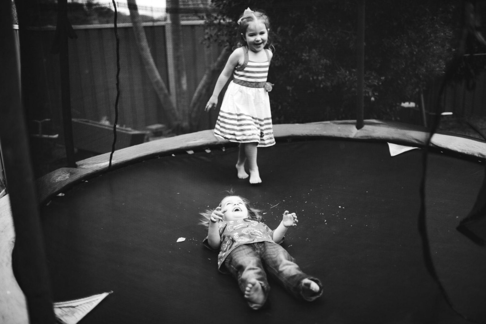 kids on the trampoline photograph wollongong nsw
